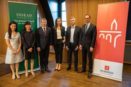 De gauche à droite: Lisa Burke (modératrice), Françoise Thoma (BCEE), le ministre Marc Hansen, Gwendoline Michaelis, Theos Evgeniou etPaul Schilling. (Photo: Insead)
