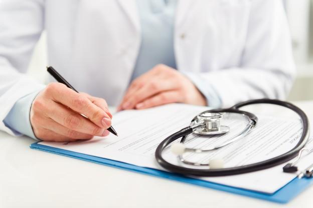 Les médecins revendiquent une refonte du système de santé, notamment en lien avec le progrès médical et la digitalisation, qui ne sont, à leur sens, pas assez pris en compte actuellement. (Photo: Shutterstock)