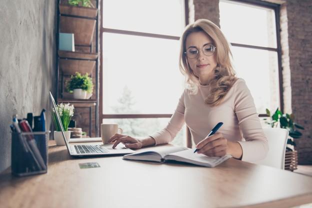 52% des emplois ne permettent pas de travailler à distance et 36% des entreprises ne veulent pas que leurs employés le fassent, dit la seule étude exhaustive sur le sujet, parue l'an dernier. (Photo: Shutterstock)