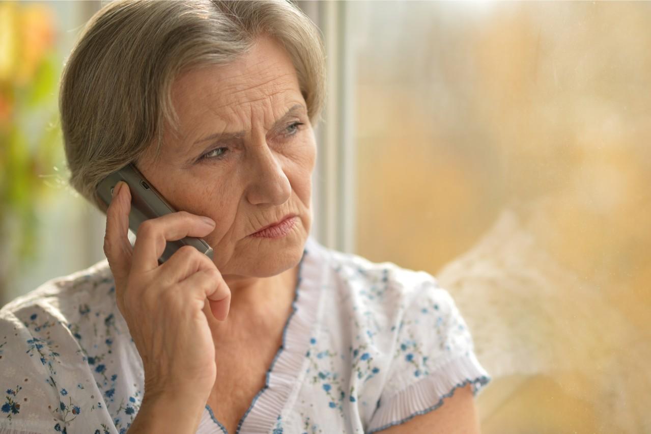 Si habituellement, il est facile de voir ses proches, le confinement oblige à utiliser le téléphone ou les SMS, qui viennent s'ajouter au télétravail et au streaming vidéo. Les opérateurs sont sous pression, mais gèrent. (Photo: Shutterstock)