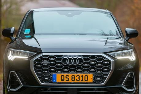 L'AudiQ3 labellisé «Sportback» troque sa ligne un brin BCBG pour un look plus rebelle. (Photo: Jan Hanrion / Maison Moderne)