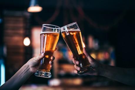 Acheter des bières en ligne pour les consommer plus tard… ou pas: c'est le principe de l'opération Café Courage. (Photo: Shutterstock)