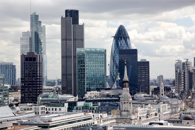 Cette chasse aux talents, exacerbée par le Brexit, crée aussi une concurrence entre les sociétés de recrutement. (Photo: Shutterstock)