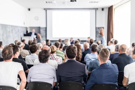 Entreprises et asbl doivent trouver des solutions aux assemblées générales rassemblant leurs actionnaires ou membres une fois par an. (Photo: Shutterstock)