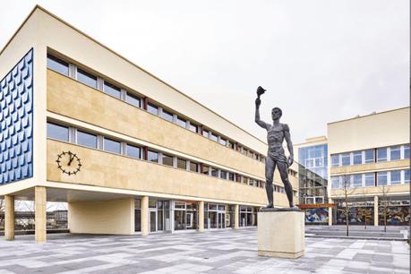 Durant deux semaines, plus aucun cours ne sera donné à l'Athénée, comme dans les autres écoles du pays. (Photo: André Lejona/Archives Maison Moderne)