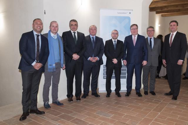 De gauche à droite: David Colindres (Aircraft Registry Cpt.), Dennis Michelotti (RSM CAA), Marco Conti (CAA), Robert Fisch (Luxaviation Group), Simone Celli (Minister of Finance San Marino), Patrick Hansen (CEO Luxaviation Group), Paul Dühr (Ambassadeur du Luxembourg en Italie et chez RSM) et David van den Langenbergh (Luxaviation Group) (Photo: luxaviation)