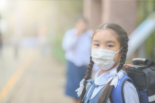 Les habitants de Wuhan ne peuvent pas se déplacer dans la ville sans porter de masque. (Photo: Shutterstock)