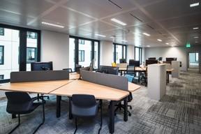 Les bureaux sont prévus pour du «flex office». ((Photo: Nader Ghavami))