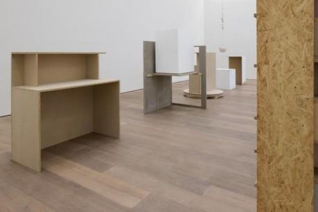 Vue de l'exposition Heimo Zobernig, Galerie Bärbel Grässlin, Frankfurt/Main, 2013. (Photo: Archiv HZ)