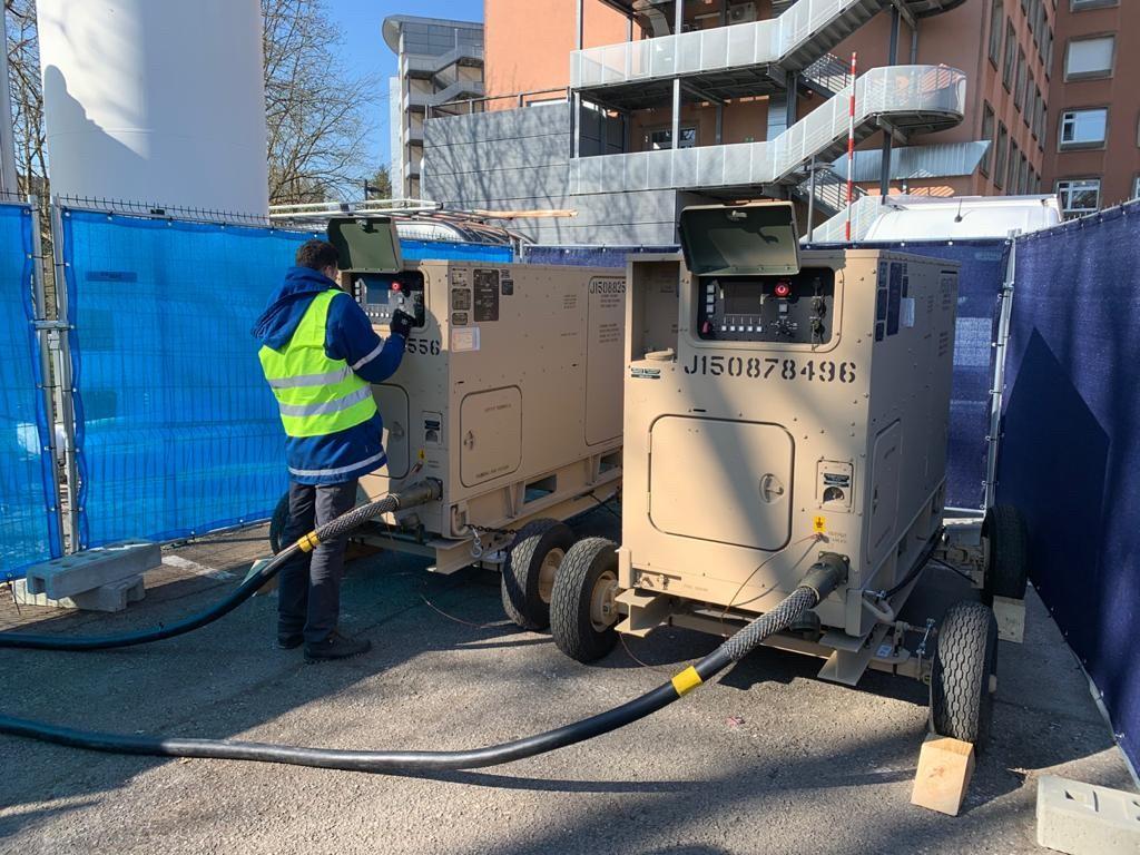Des générateurs prêtés par l'US Army pour les besoins en alimentation de la structure installée auprès du CHL et dans les  centres médicaux avancés. (Photo: Ambassade américaine)