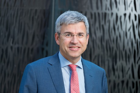 """David Suetens: """"Financial services firms have been exploring various 'emerging technologies for years now, but have not yet taken significant steps towards embedding these technologies into their business."""" (Photo: Marie De Decker)"""