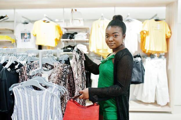 Faire du shopping lors des jours fériés en Sarre ne sera prochainement plus possible. (Photo: Shutterstock)