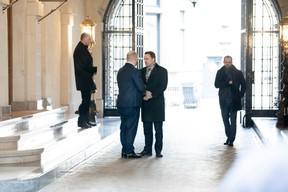 Xavier Bettel l'a salué chaleureusement lors de son départ. ((Photo: Jan Hanrion/Maison Moderne))