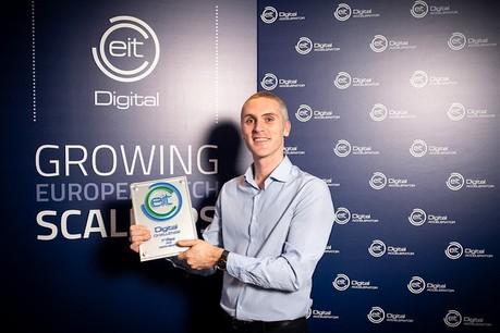 Giuseppe Giordano, CEO d'Enerbrain, un des lauréats du prix2018, a inventé un système qui améliore la climatisation et le chauffage en réduisant leur consommation d'énergie. (Photo: Waltsmedia pour EIT Digital)