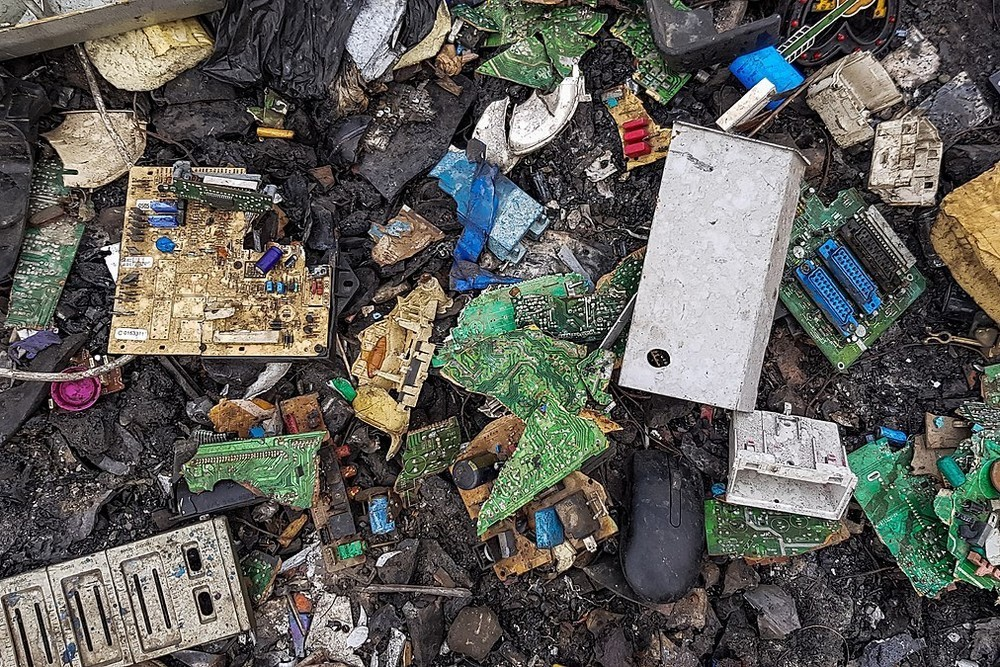 Au sein de l'Union européenne, moins de 40% des déchets électroniques sont actuellement recyclés. Le nouveau plan d'action pour l'économie circulaire entend améliorer cette situation. (Photo: Muntaka Chasant)