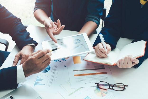 Les frais d'experts et d'études représentent 0,7% des dépenses totales de l'Administration centrale.  (Photo: Shutterstock)