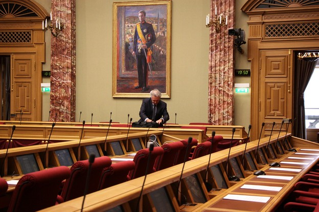 Jean Asselborn se prépare à livrer sa déclaration de politique étrangère devant les parlementaires. (Photo: Chambre des députés)