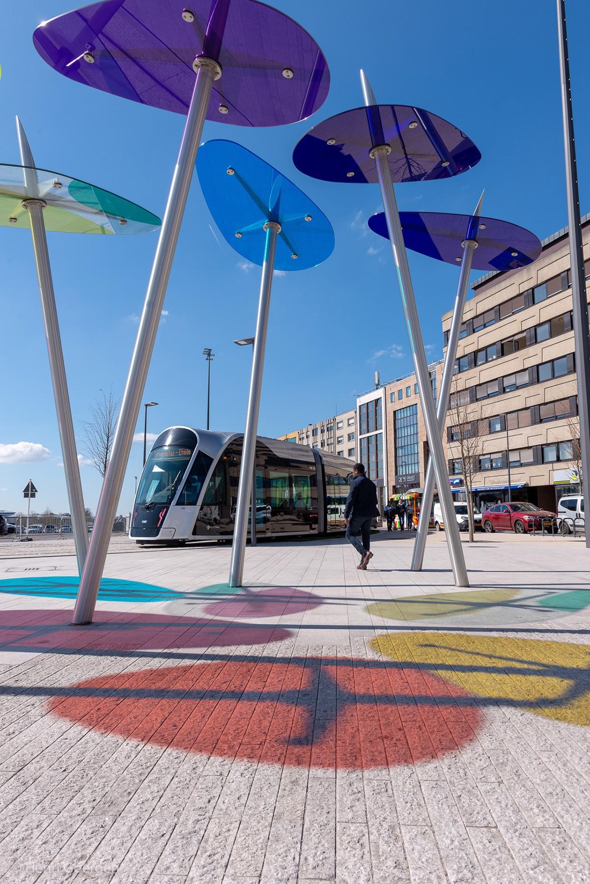 Vue de l'intégration urbaine du tramway à Luxembourg. (Photo: Henri Goergen)