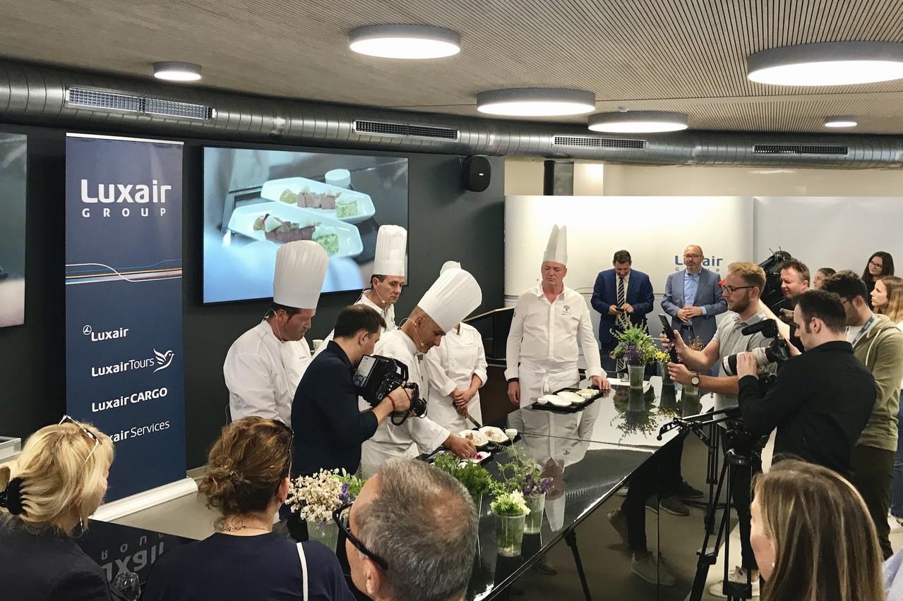 Un show cooking était organisé ce mercredi pour dévoiler le nouveau concept catering en classe affaires de Luxair. (Photo: Maison Moderne)