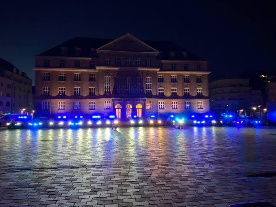 Les voitures de police devant le Centre hospitalier Emile Mayrisch mercrdi soir. (Photo: Facebook)