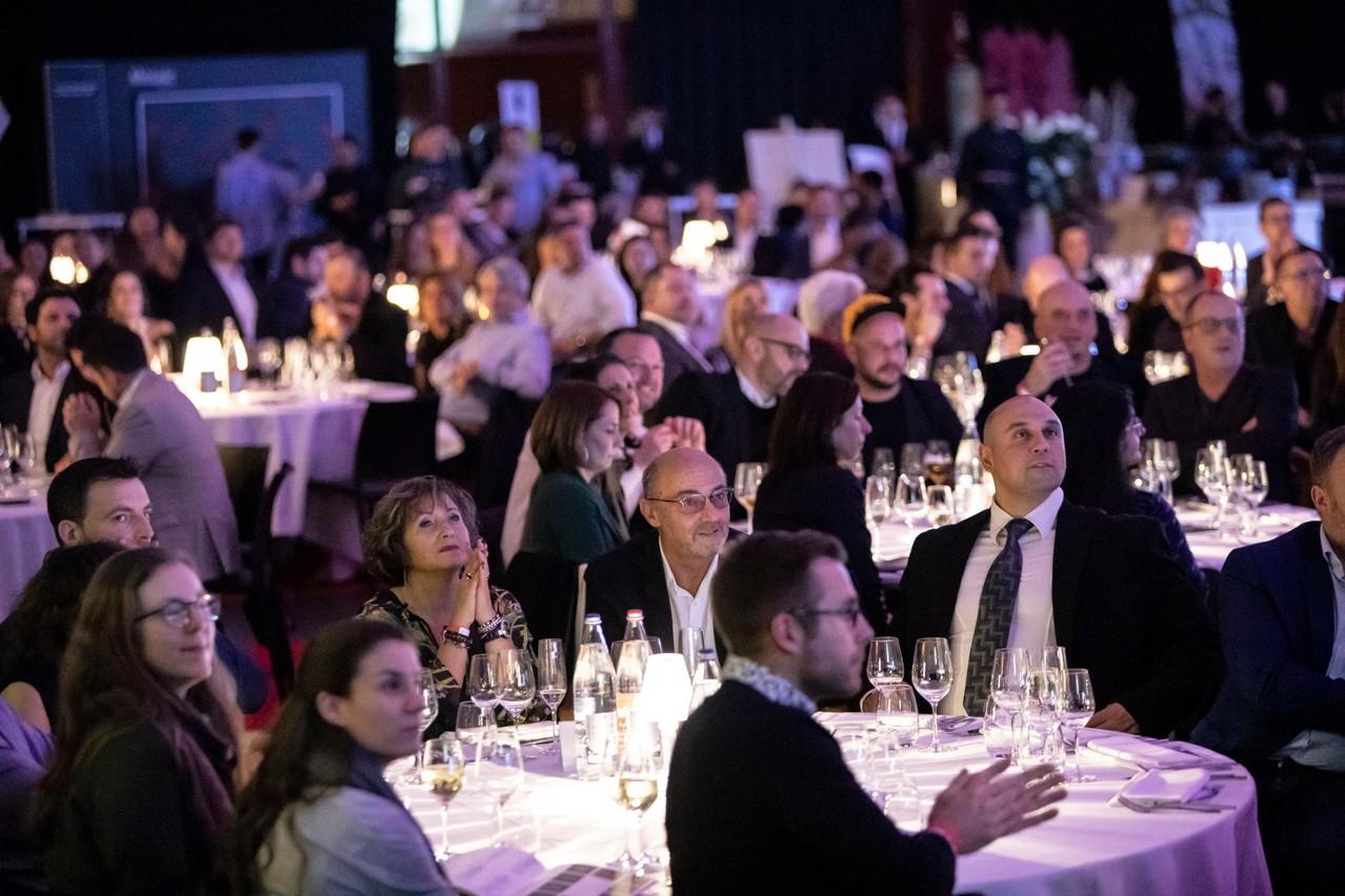 La cérémonie s'est déroulée en présence de 800 invités. (Photo: Patricia Pitsch / Maison Moderne)