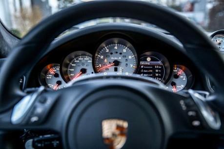 Si la tendance générale est à la baisse, le segment haut de gamme reste cependant bien représenté avec notamment 782 Porsche immatriculées l'an dernier. (Photo: licence cc )