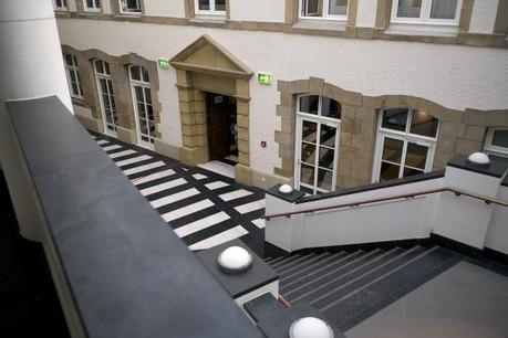 Des «coups» ont été échangés ce mardi au tribunal. (Photo : Christophe Olinger)