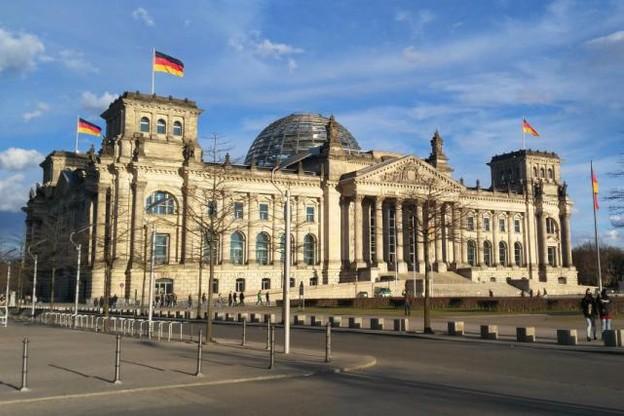 bundestag_berlin_germany_building_architecture_parliament_deutschland_europe-729313.jpgd_.jpeg