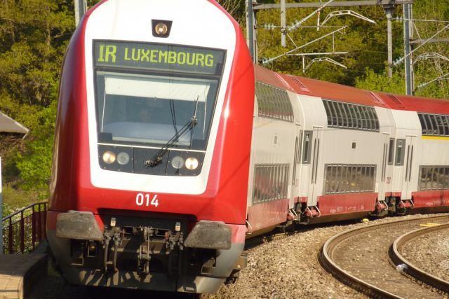 train-1054874_960_720.jpg