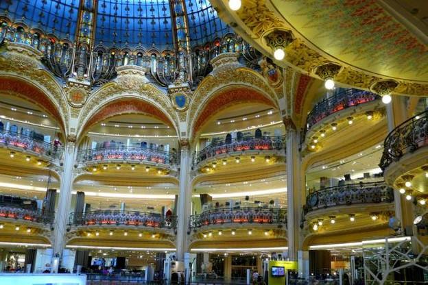 Les Galeries Lafayette entament actuellement une expansion à l'international tandis que certains de ces magasins en France passent sous franchises. (Photo: Licence C.C.)
