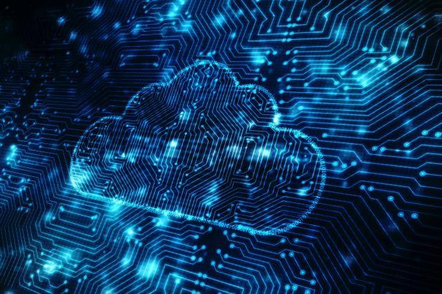 Le cloud computing à destination des professionnels du retail est un marché fortement disputé par les deux géants américains. (Photo: Shutterstock)