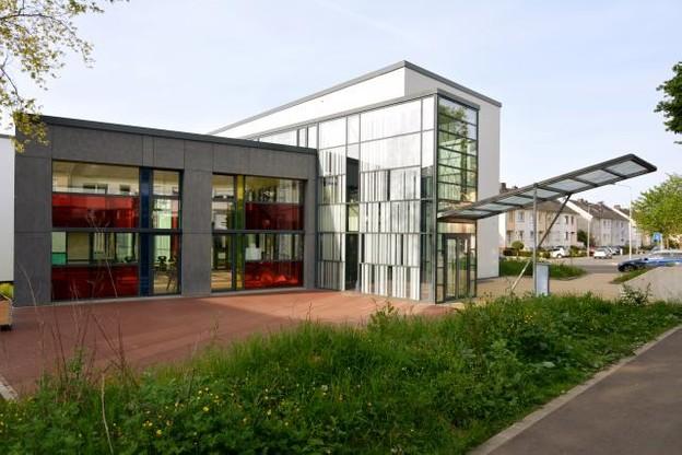 Le projet avait été revu pour créer un centre plus grand, pour répondre à une demande croissante.  (Photos: Perry Weber & Associés)