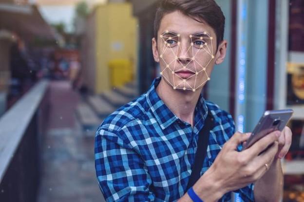 La capitale mondiale de la tech, San Francisco, souhaite limiter les impacts d'un usage massif de la reconnaissance faciale. (Photo: Shutterstock)