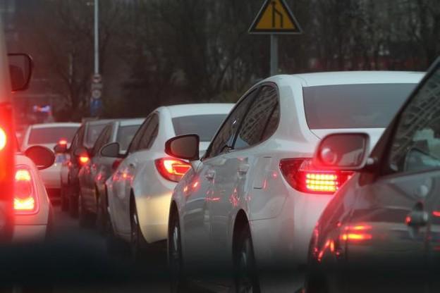 traffic-jam-688566_960_720.jpg