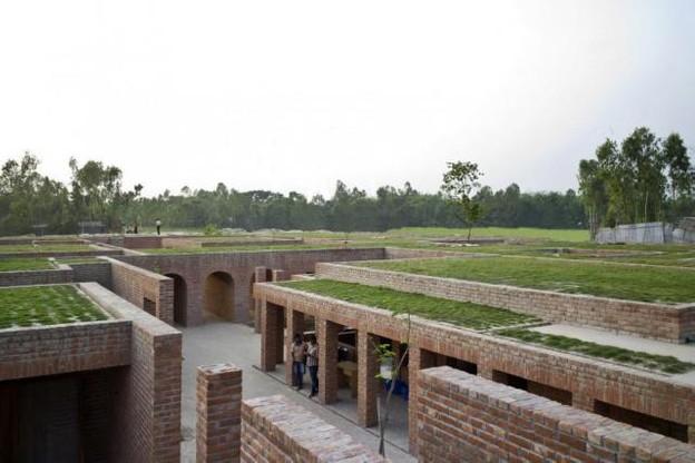 Le centre se compose de nombreux pavillons, cours, bassins et espaces verts.  (Photo: Eric Chenal)