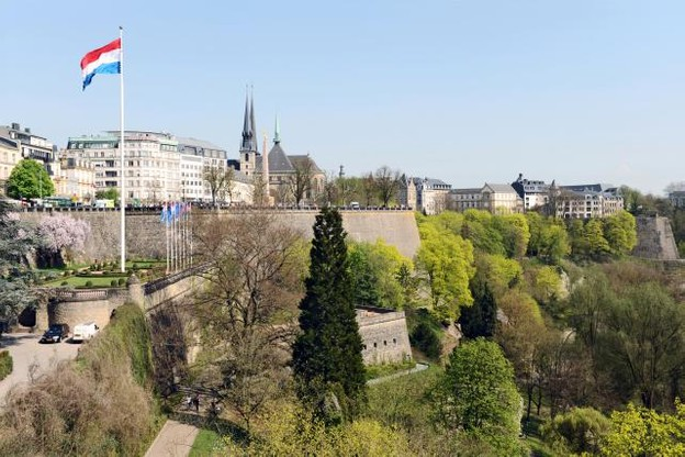 luxembourg_fortress_from_adolphe_bridge_02_c67.jpeg