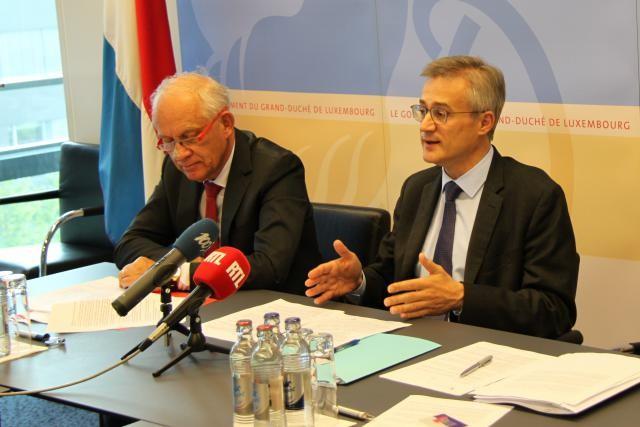 Frank Molitor, président de la Chambre des notaires, et Félix Braz, ministre de la Justice, ont présenté mercredi la réforme du notariat.  (Photo: Gouvernement du Grand-Duché de Luxembourg)