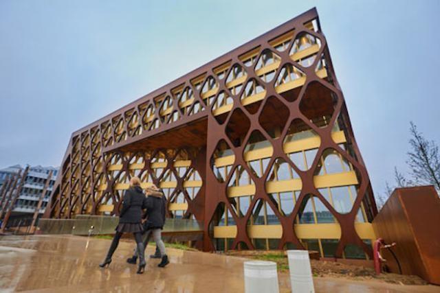 L'immeuble de KPMG fait partie des nominés. (Photo: Groven+)