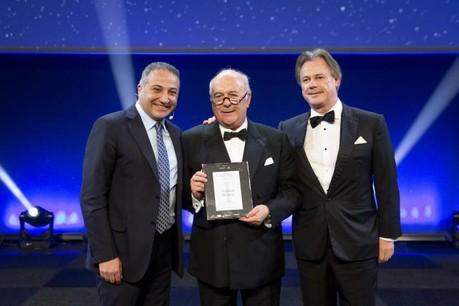 Norbert Becker, grand lauréat 2018, entouré de Murat Mutlu (Immo Luxembourg, à gauche) et Marc Giorgetti (Félix Giorgetti, à droite), membre du jury et grand lauréat 2016. (Photo: Maison Moderne)