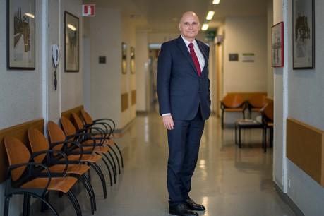 Le Dr Romain Nati souligne que la capacité des hôpitaux à absorber l'afflux de patients dépend grandement du respect des règles de distanciation sociale par la population. (Photo : Nader Ghavami / archives / Maison Moderne)