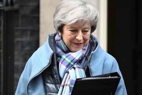 Theresa May – ici sortant de son bureau le 29 janvier – maintient sa ligne politique. (Photo: Shutterstock)