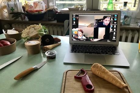 Un panier de courses fraîches à emporter, un ordinateur avec Skype et les bonnes astuces pleuvent avec ClovisDegrave. (Photo: Maison Moderne)