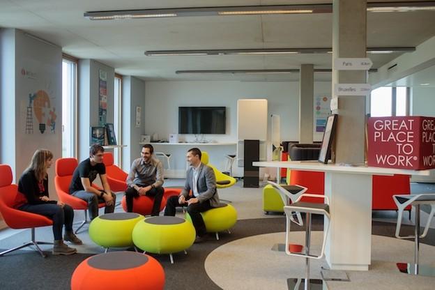 Workspace– Des locaux colorés, propices à la communication entre les équipes.  (Photo: Matic Zorman)