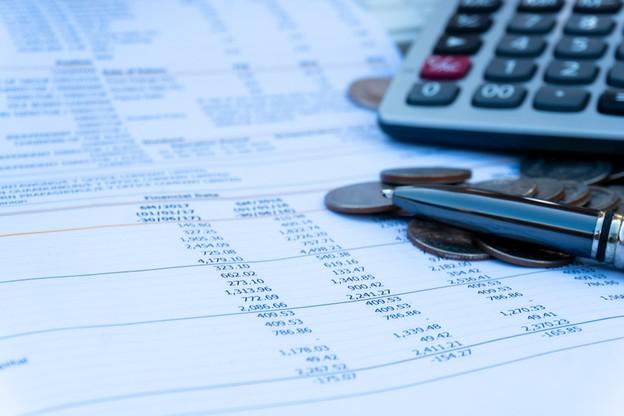 Les recettes en provenance des ménages sont en hausse, mais dans une moindre mesure, en raison des effets de la réforme fiscale. (Photo: Shutterstock)