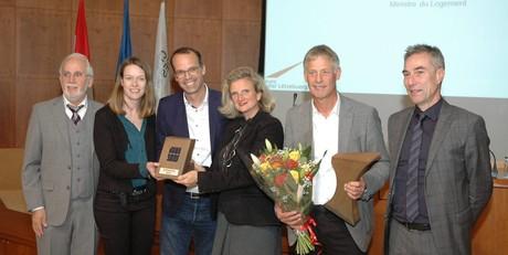 L'équipe lauréate reçoit le Prix solaire luxembourgeois 2019. (Photo: Eurosolar)