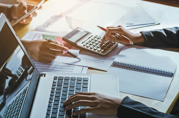 «Le remboursement de l'aide se fera selon un plan de remboursement qui doit trouver l'accord de l'entreprise et du ministère de l'Économie, et qui débutera au plus tôt 12mois après l'obtention de l'avance remboursable», précise le communiqué. (Photo: Shutterstock)