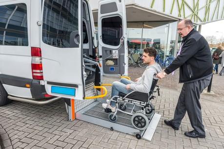 Le service de transport à la demande Adapto est au cœur d'une passe d'armes entre associations et ministère depuis le début de l'été. (Photo: Shutterstock)