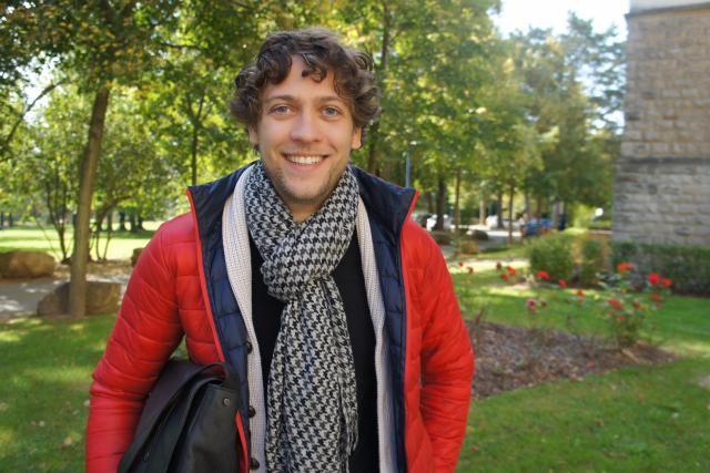 Après une expérience dans la vie active, Claudio a choisi de compléter son cursus à l'Uni. (Photo: DR)