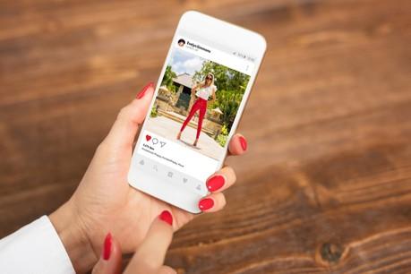 Cette fonctionnalité «Checkout on Instagram» permettra aux utilisateurs de l'application d'acheter directement un produit sans quitter son environnement. (Photo: Shutterstock)