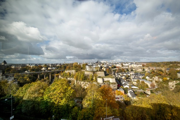 Paperjam.lu a sélectionné les meilleures adresses pour observer la ville de haut, comme ici depuis le Mu. (Photo: Maison Moderne/Archives)